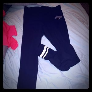Women's black Nike leggings NWT